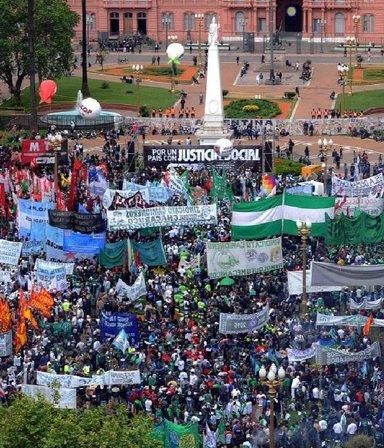 La CGT marcha por el Día de la Lealtad y hay varios cortes: los puntos afectados en la Ciudad
