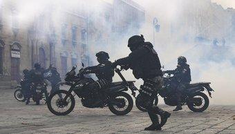 Bolivia: así reprimen las Fuerzas Armadas a los manifestantes, tras forzar la renuncia de Evo Morales