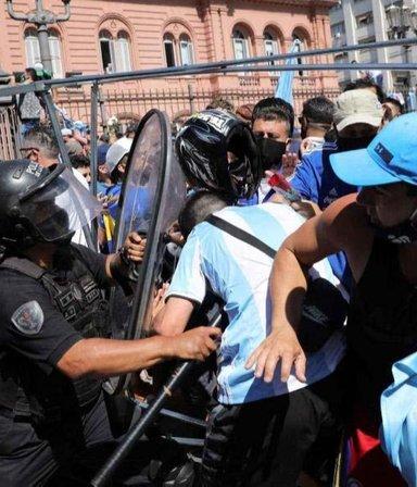 La Secretaría de DDHH denunció a Larreta por la represión en el velatorio de Maradona