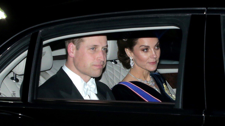 Feo gesto a su marido Guillermo en televisión — Kate Middleton
