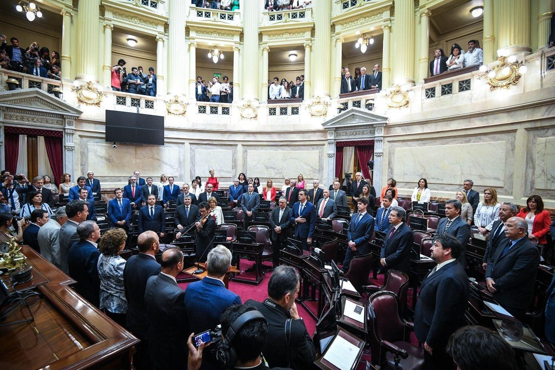 El Senado trata la Ley de Emergencia — En vivo